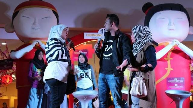 Raffi Ahmad Datang ke Bogor Jualan Kaos RA di Cibinong City Mall