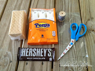 Looking for a fun Halloween treat -- that you can make last minute? Make these spooky s'mores favors at www.abrideonabudget.com.