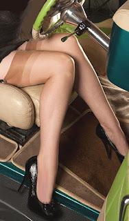 http://www.stockingstore.com/Fitted-Sheer-Stretch-sandelfoot-stocking-p/bk1556.htm