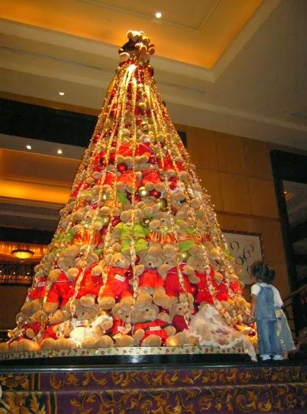 Contoh Desain Pohon Natal Cantik dan Indah | The Kolor