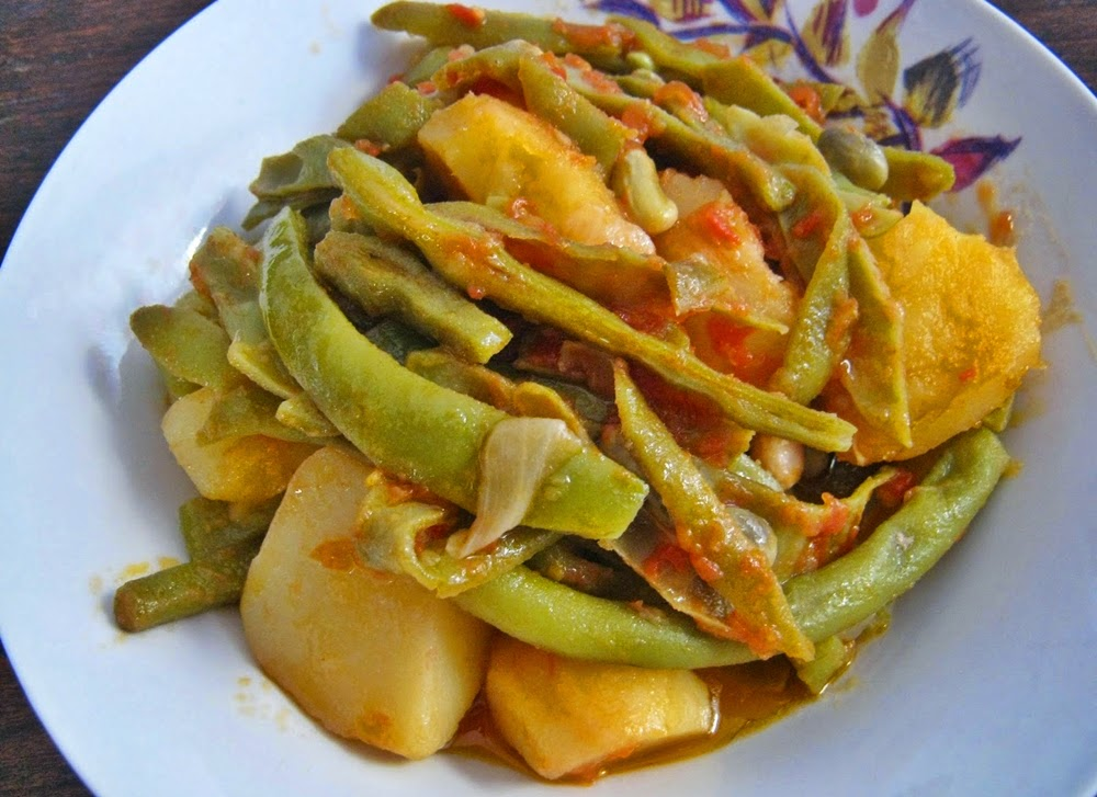 fasolakia with potatoes and stew
