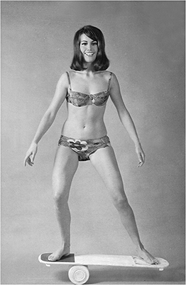 http://pics.wikifeet.com/Claudine-Auger-Feet-2290986.jpg