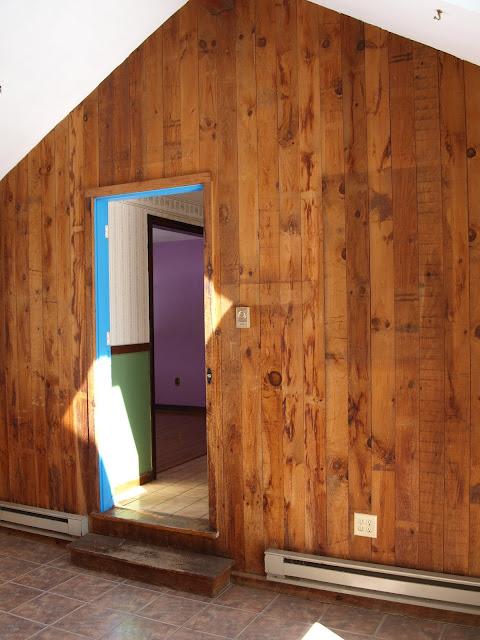 Graceland: Sun Room / Breezeway