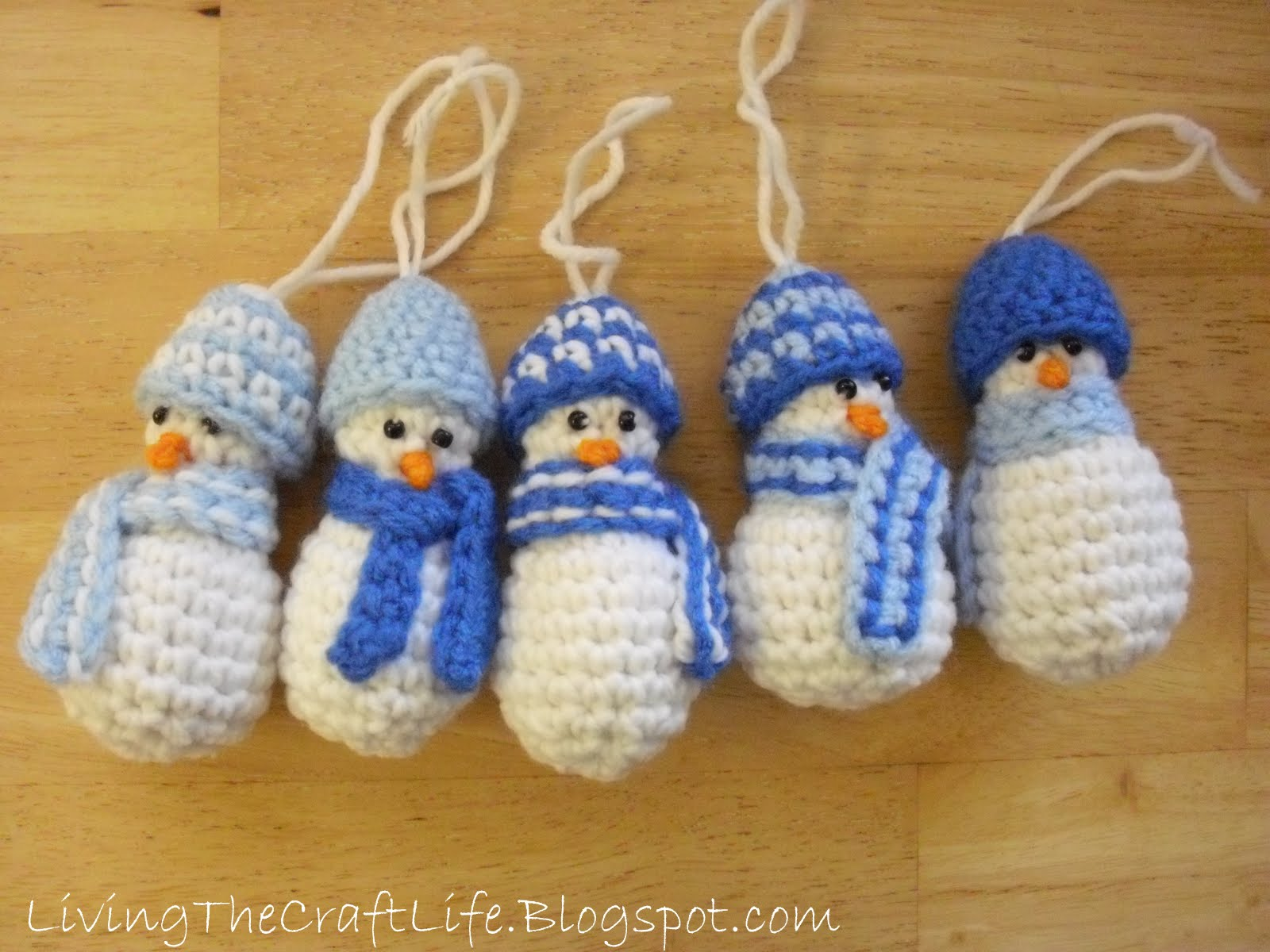 Living the Craft Life: Mini Snowman Christmas Ornament