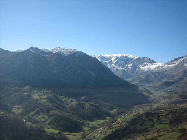 Rutas Montaña Asturias: Vista del Monsacro desde el Castiellu