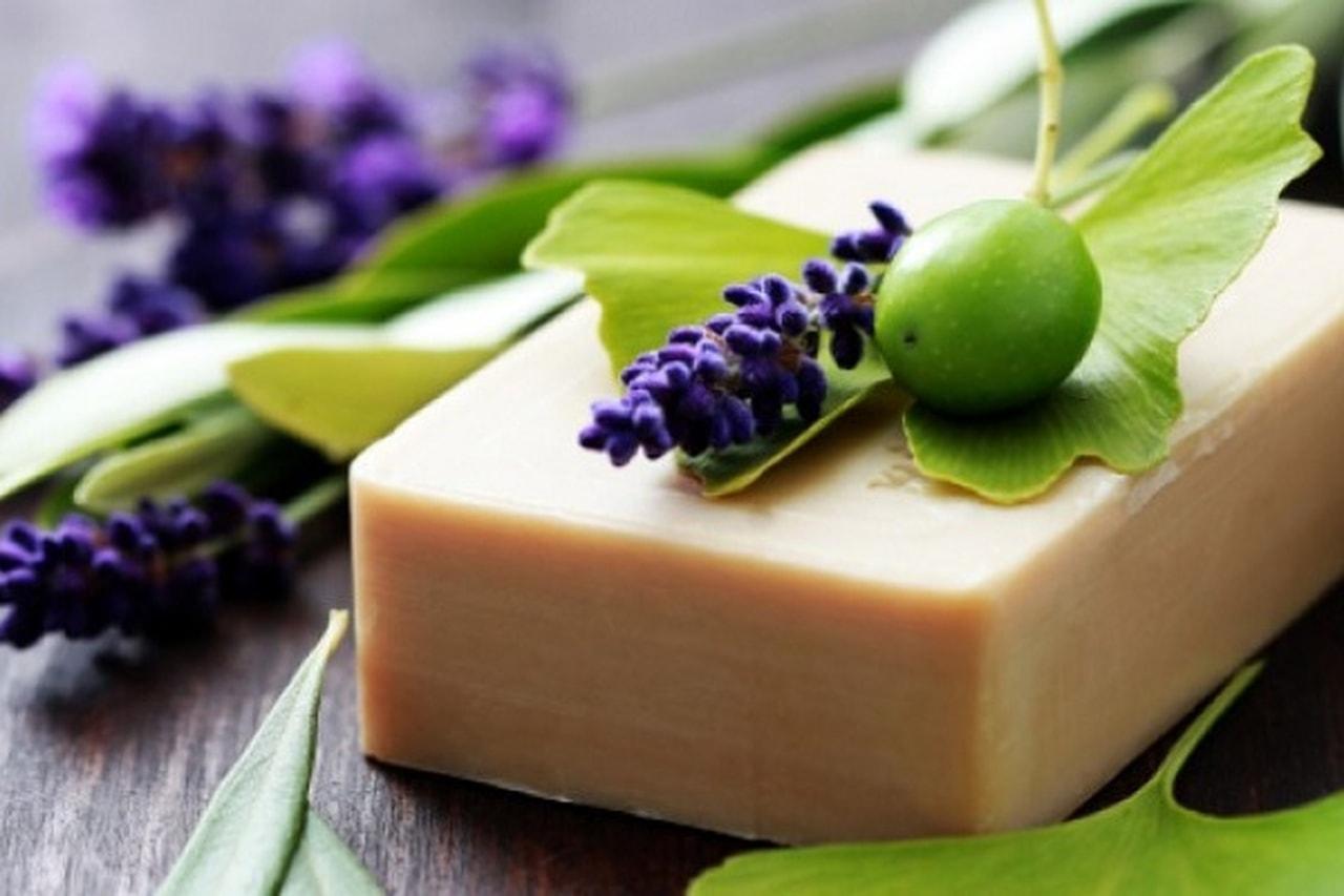 e94e3f519 فوائد صابون الغار لتبيض البشرة و الوجه