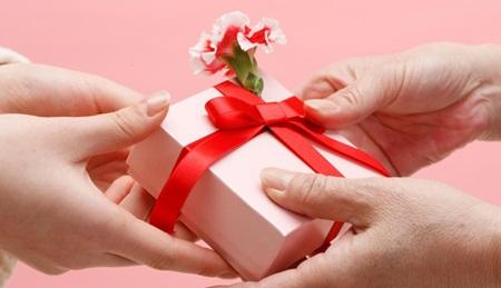 Kado ulang tahun utk wanita aries, kado yg bagus untuk pacar ulang tahun, hadiah ulang tahun untuk cowok apa ya, hadiah ultah utk pacar yg murah, hadiah ultah berkesan untuk pacar, kado buat pacar yg murah tapi berkesan, kado kue ulang tahun utk pacar, hadiah kejutan ultah istri, memilih kado ulang tahun utk kekasih, kado utk hari jadi kekasihborder=