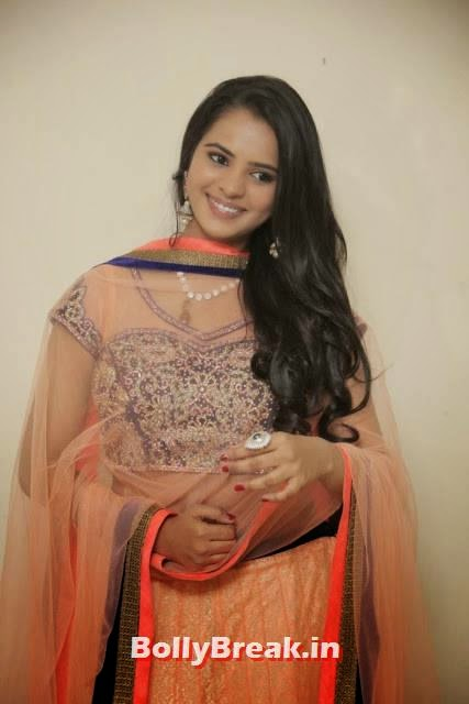 Manasa Photoshoot Stills, Actress Manasa hot Photos in Backless Choli & Lehenga