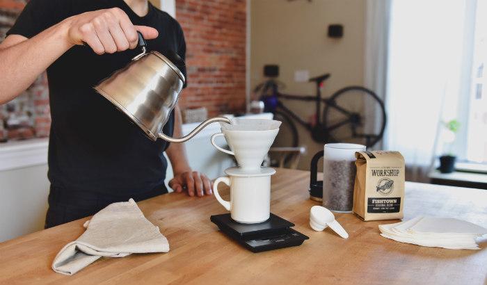 http://www.encasadeoly.com/2017/10/lo-que-tu-rutina-del-cafe-dice-de-ti.html