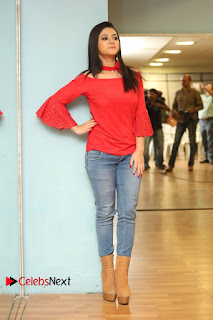 Actress Shriya Shrama Latest Picture Gallery in Denim Jeans 0288