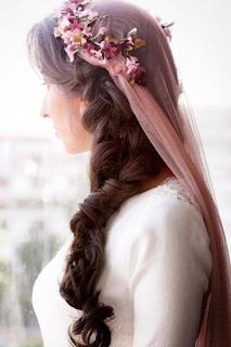 voile de mariée de couleur blog mariage www.unjourmonprinceviendra26.com
