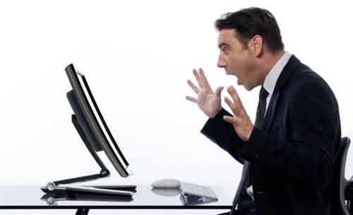 Quem procura, acha! Vídeos calientes com a esposa na internet