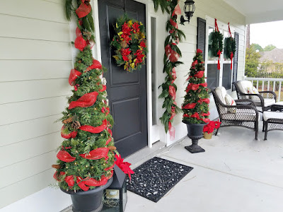 Christmas topiary from tomato cage