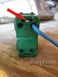 bagian pengunci kabel