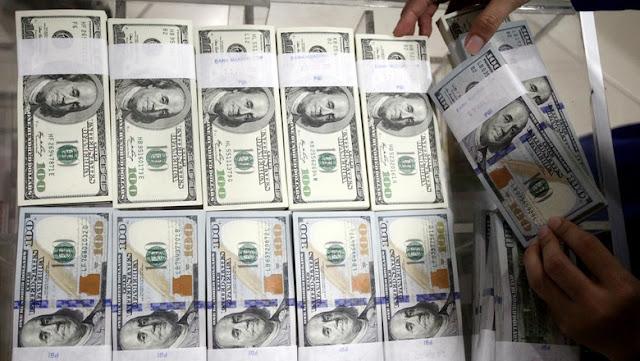 uang dollar melimpah