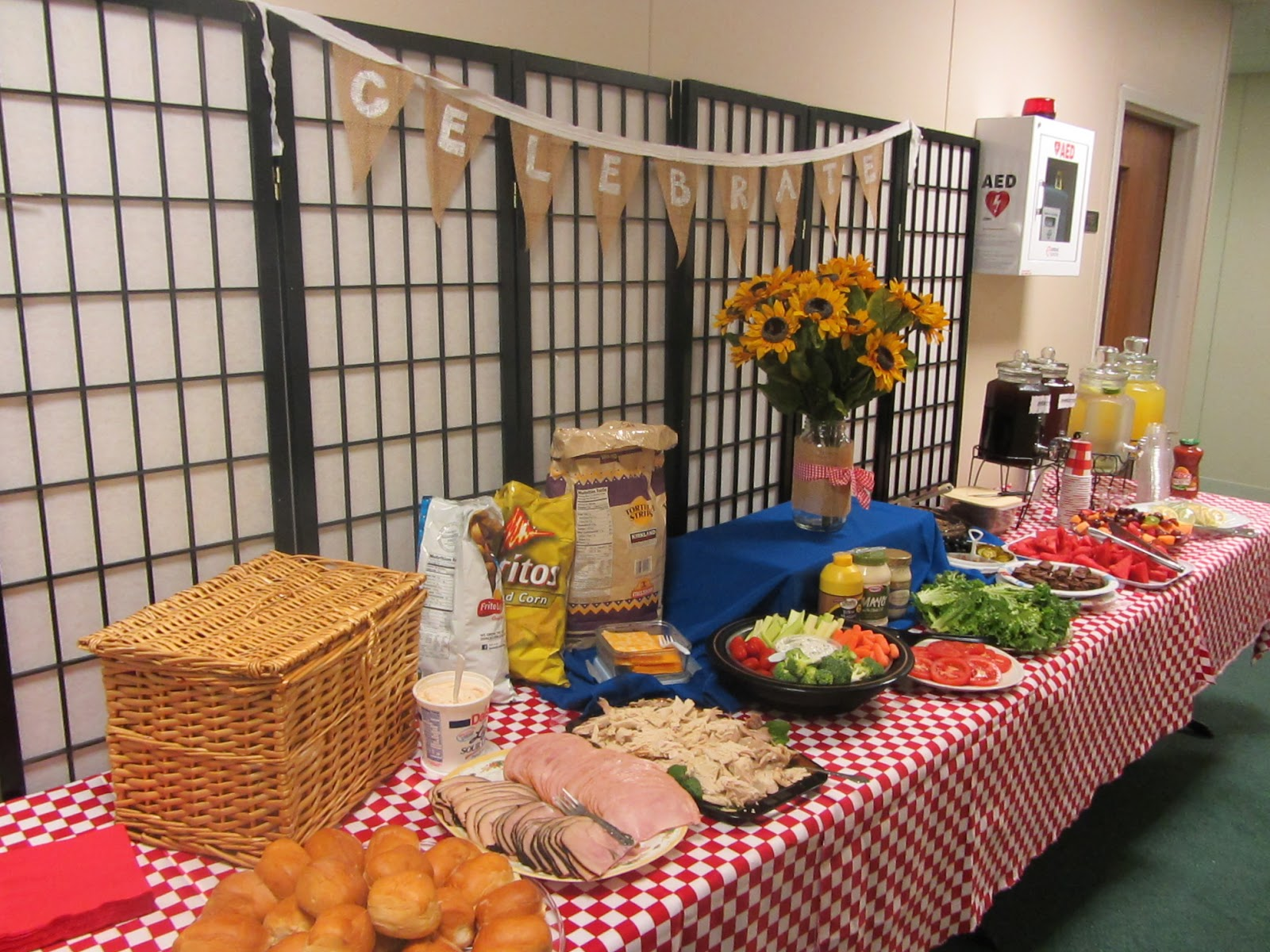 Picnic Themed Decorations So Wonderfully Complex Picnic Themed End Of The Year Luncheon