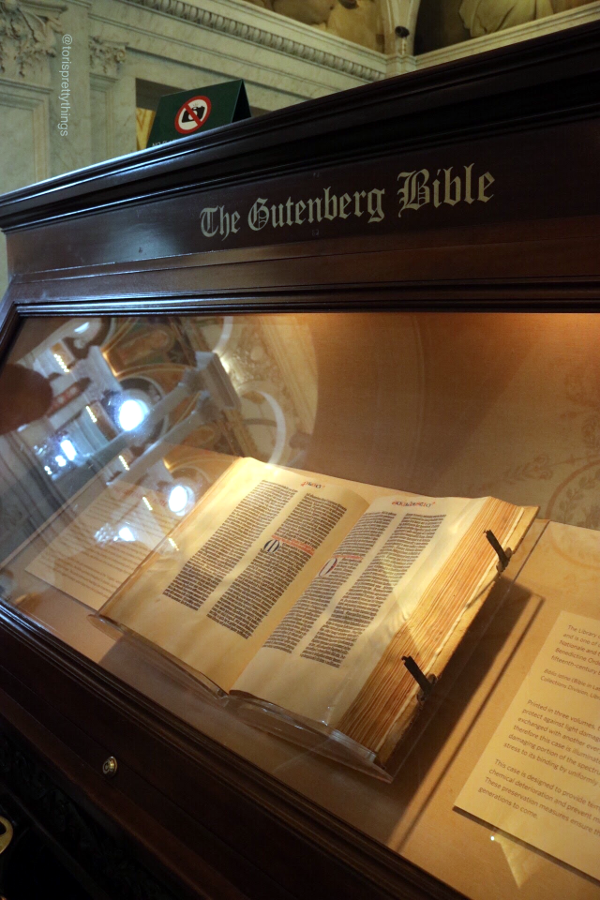 The Gutenberg Bible in The Library of Congress - Washington, D.C. - Tori's Pretty Things Blog