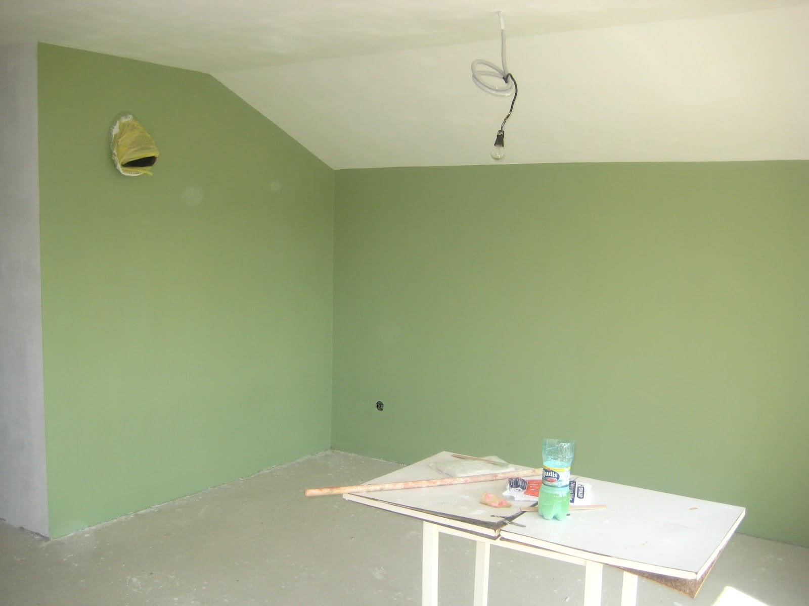 Groen In Woonkamer : Elegante groene woonkamer groene muren stock afbeelding