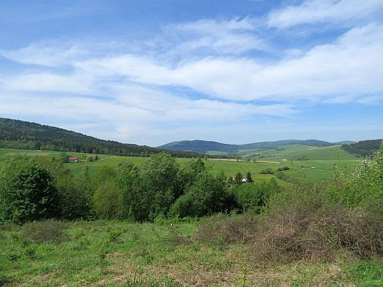 Widok na północne części pasma Magury Wątkowskiej.