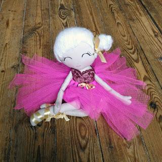 Poupée en tissus, petit rat, opéra, classique, tulle, fait-main, fabric doll, fushia, or, gold