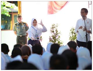 Mendikbud Dampingi Presiden Sebarkan KIP Ke Ciamis
