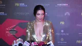 Deepika Padukone Promoting   Return of Xander Cage in India in Golde Gown 87 .xyz.jpg