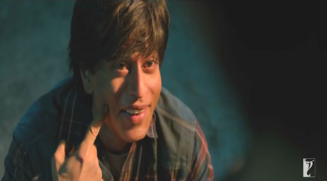 Fan (2016), Directed by Maneesh Sharma, Gaurav shows his dimple, Fan Movie Still