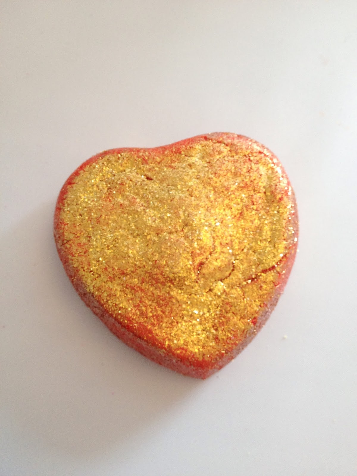 Lush Lonely Heart Bubble Bar