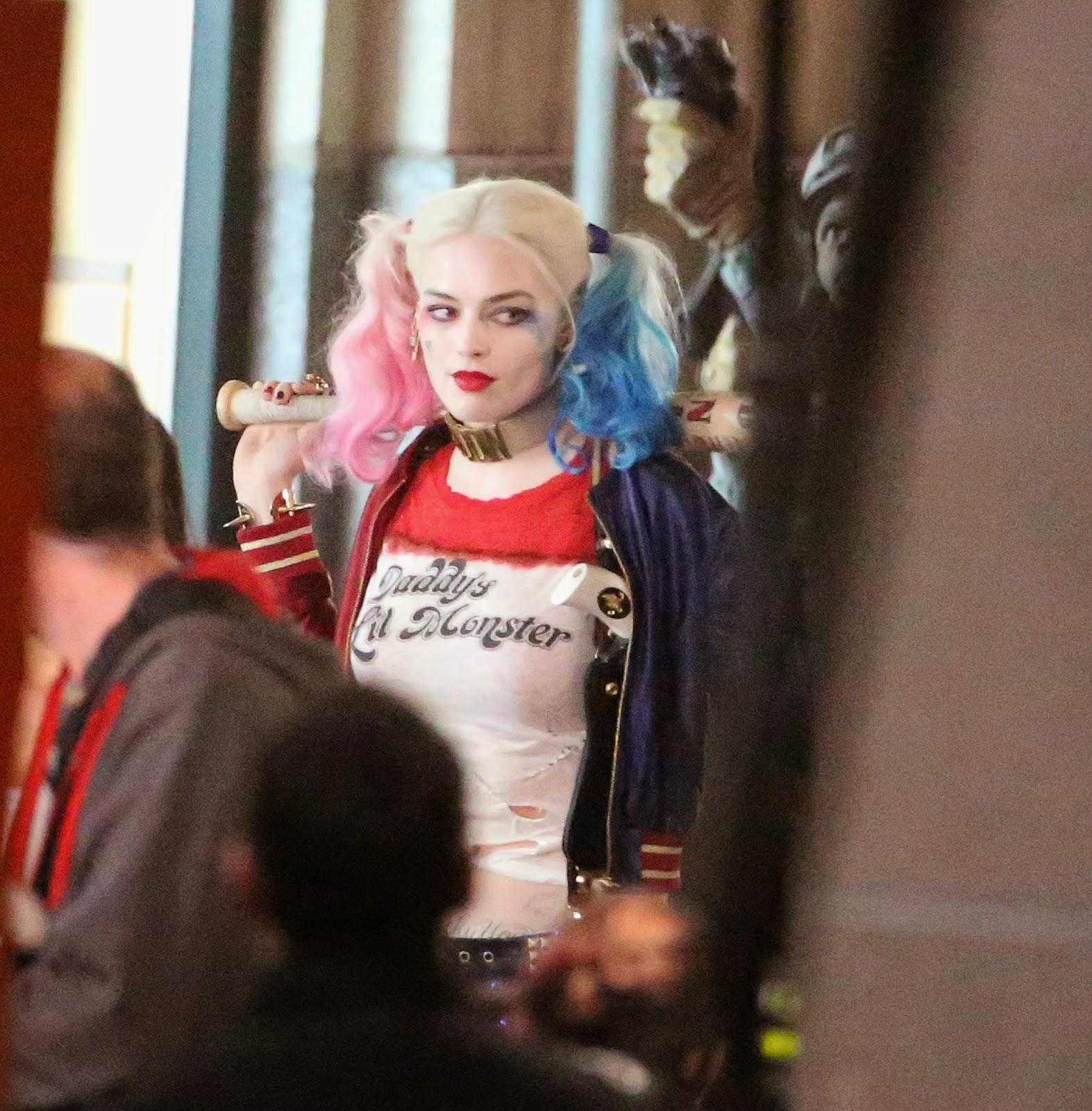Margot Robbie As Harley Quinn With Bat And Tattoos In 39 Suicide Squad 39 Set Photos El objetivo no es otro que el de garantizar la salud de nuestros clientes y el de nuestros. spartantown net
