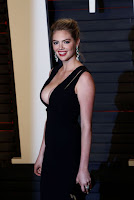 kate upton hot cleavage 2016 vanity fair oscar party best red carpet dresses