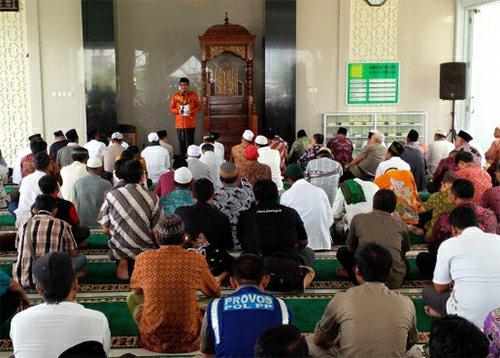 Bacaan Niat Tata Cara Sholat Jumat Bagi Imam Dan Makmum