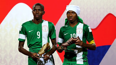 Victor Osimhen and captain Kelechi Nwakali with their FIFA U-17 2015 Awards