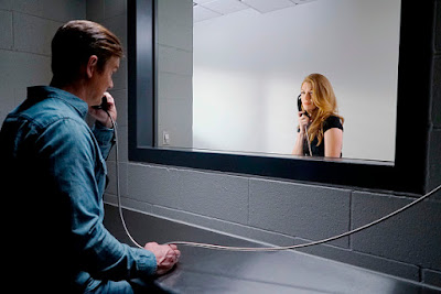 Mireille Enos and Peter Krause in The Catch Season 2 (28)
