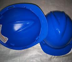 Helm - USA (DIBANTING TIDAK PECAH) <p>Rp55.000</p>