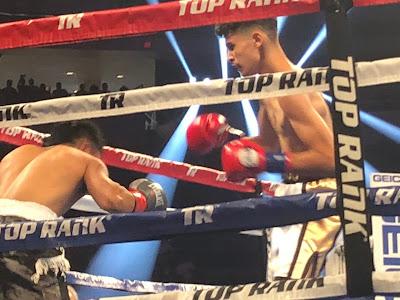 Santos Ortega, right,  defeats Sebastian Baltazar by UD (40-36, 3x)