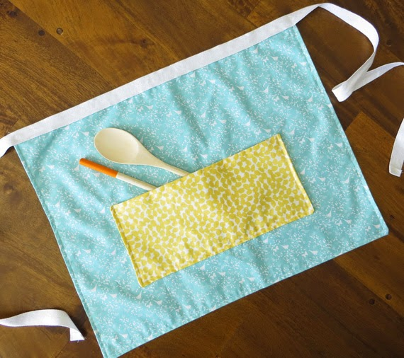Use Fat quarters to make this easy apron