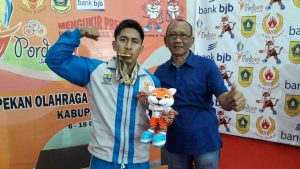 Perolehan Medali Emas Cabor Gulat Untuk Kota Cirebon Lampaui Target