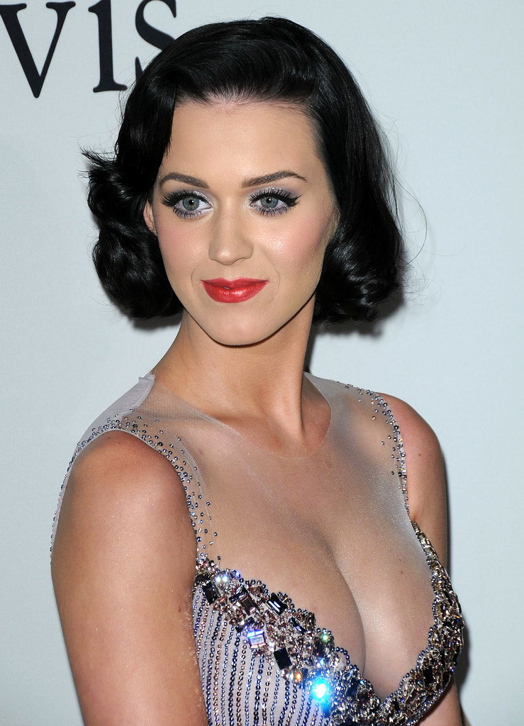 Free Celebrity Photos: Katy Perry's Cleavage (Photos)