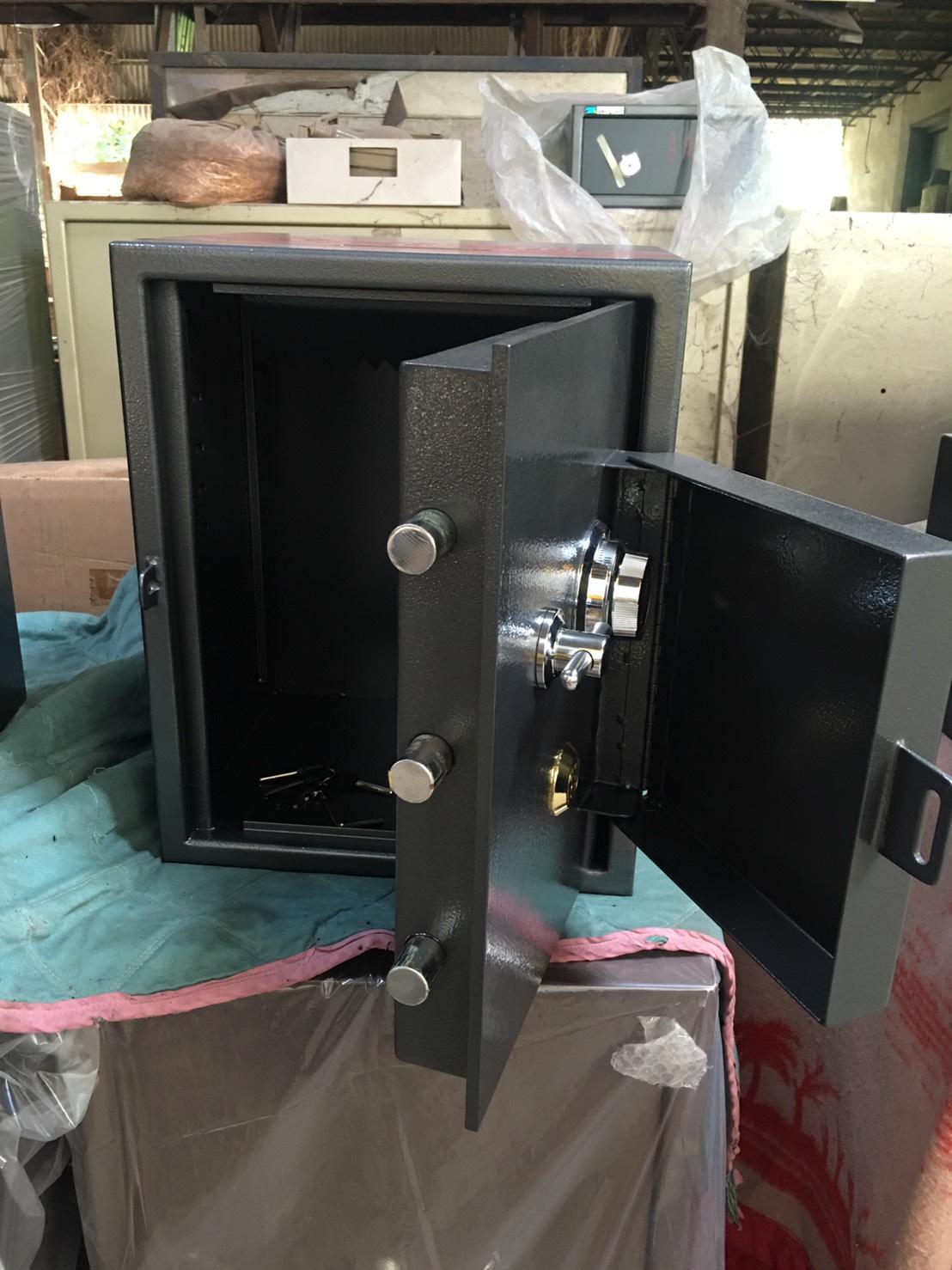 台灣製功德保險箱