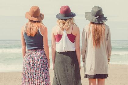 7 Barang yang Harus Dibawa Saat ke Pantai Bersama Sahabat atau Keluarga