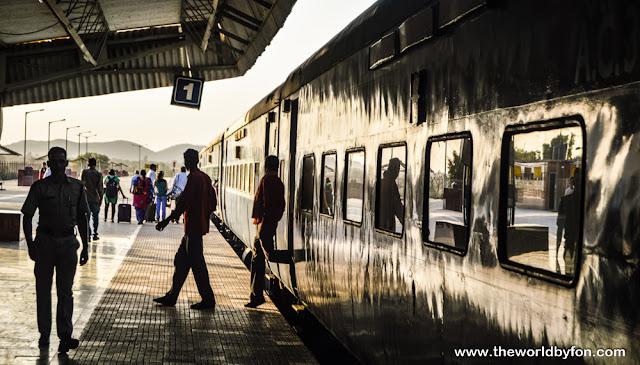 Estação ferroviaria de Khajuraho, Índia