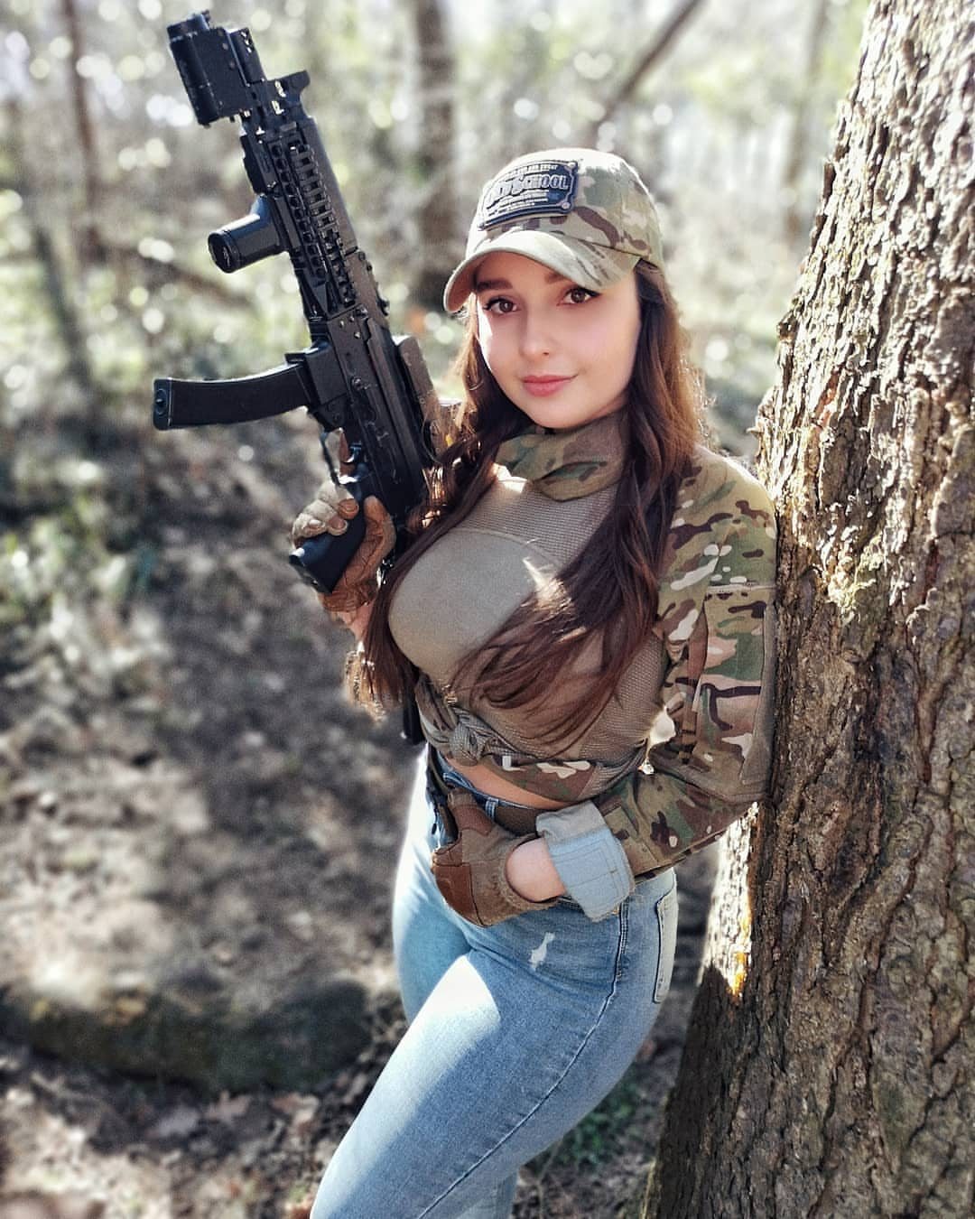 Amazing WTF Facts: Hot Military Girls With Guns