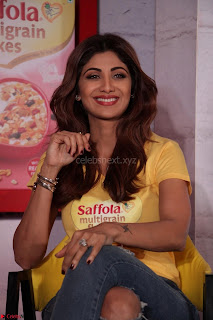 Shilpa Shetty super cute fit in Yellow T Shirt 08.JPG