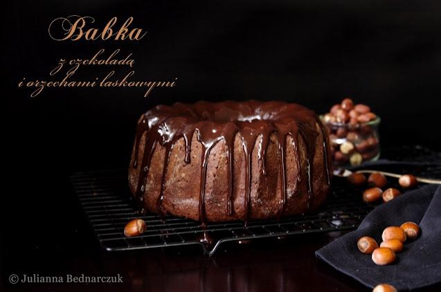 Babka orzechowo-czekoladowa