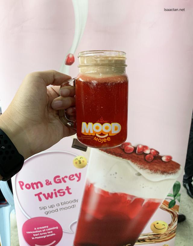 Pom & Grey Twist (RM6.50)
