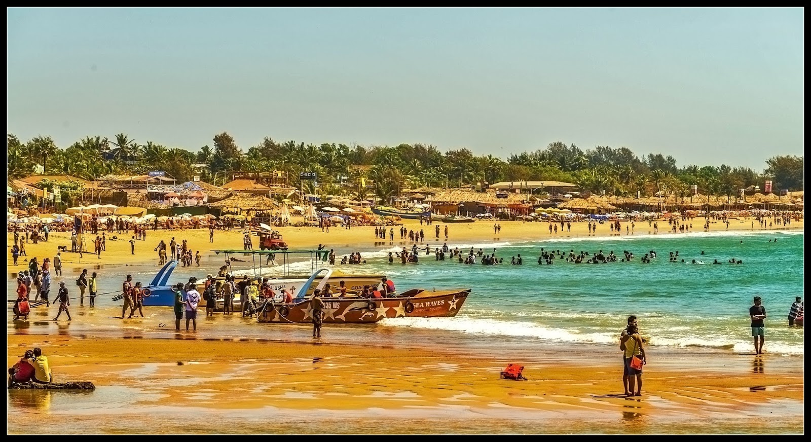 люди пляж бага гоа индия фото сомневаюсь