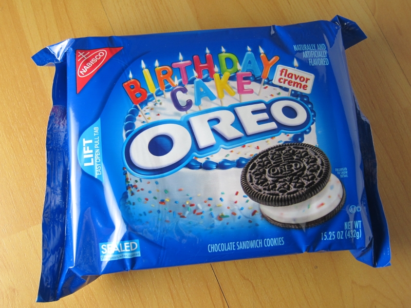 Review Nabisco Birthday Cake Oreo Cookies Brand Eating