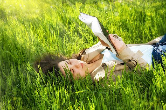 5 autoare de citit in aceasta primavara