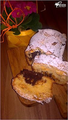http://www.slodkieokruszki.pl/waniliowo-kakaowe-ciasto-z-cynamonowym-jabluszkiem/