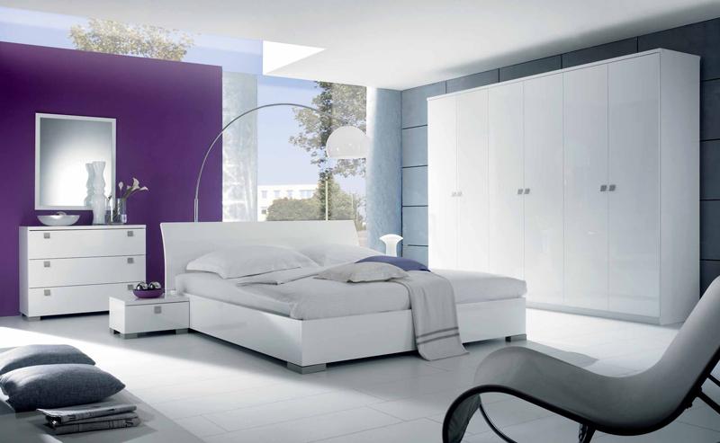 Arredamento Moderno: Camera da letto moderna
